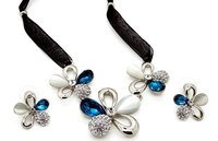 Designer Floral Jewel Set In White And Blue