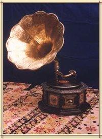 octagon base gramophone