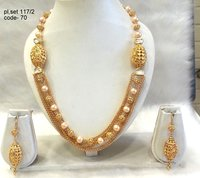 Traditional Moti Mala Necklace Set