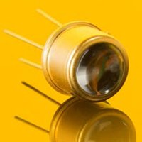 Tocon-Abc1 Broadband Sic Based Uv Photodetector With Integrated Amplifier