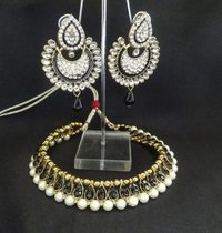 Pearl And Black Stone Studded Necklace With Black Kundan Earrings