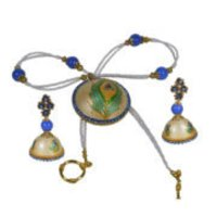 Aesthetic Paper Quelling Circular Shape Cream Blue Color And Print Green Color Peacock Wing On Pendant Necklace Set