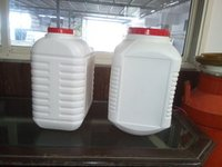 Middle Handle Plastic Oil Can