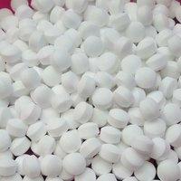 White Naphthalene Balls