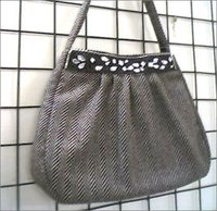 Ladies Fancy Woolen Bag