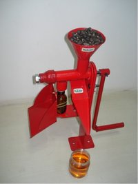 Hand Operated Mini Oil Expeller