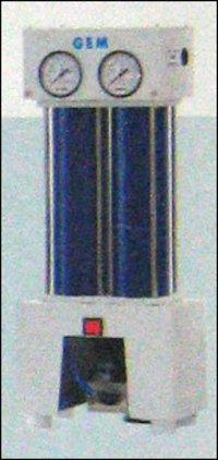 Compact Desiccant Air Dryer