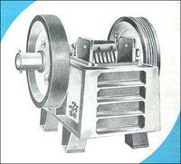 Single Toggle Roller Bearing Crusher And Granulator