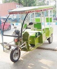 Heavy Body Electric Rickshaw