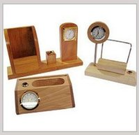 Wooden Table Top Watch With Pen Holder