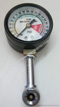 Pressure Gauge With Air Chuck