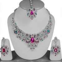 Artificial necklaces