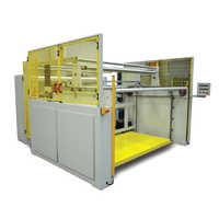 Fabric winding machine