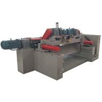 Log peeling machine